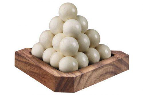 פירמידת כדורים